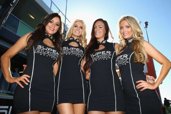 v8-supercars-grid-girls_1s1b9l5gw7ivl1clrvjs4zee27